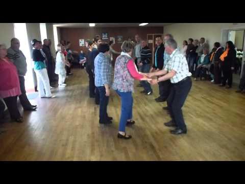 La fille du coupeur de paille dansé par les Danserien de chateauneuf en 2014