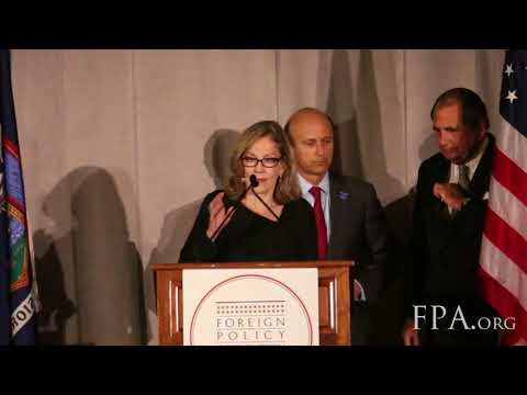 Douglas L  Paul Receives FPA Medal: FPA Centennial Financial Services Dinner