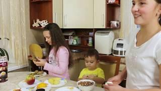 Дети готовят взрослую еду - очень вкусный салат Ананас