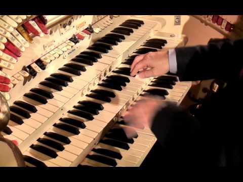 Phil Kelsall at the Blackpool Tower Wurlitzer organ