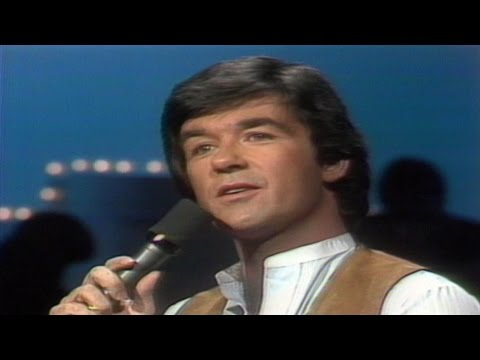 Alan Thicke pays tribute to hometown Elliot Lake, Ont., in 1978