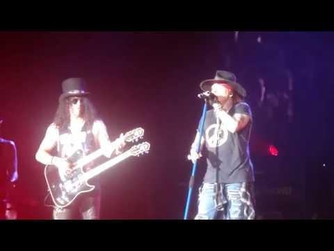 Guns N' Roses Live @ Western Springs Stadium in Auckland (New Zealand) 4/2/2017 [Best Crowd Footage]