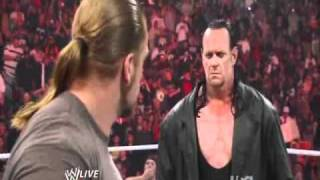 WWE : Return of the Undertaker and Triple H at Raw (21/02/2011) 480p !