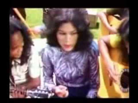 ▶ Berdendang   Rhoma Irama ft Rita Sugiarto  avi