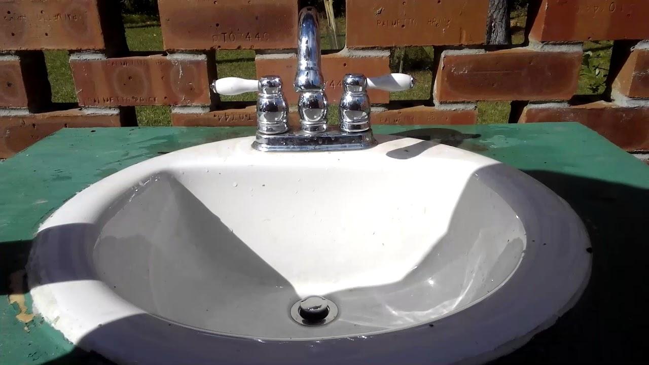 Gurgling sink drain