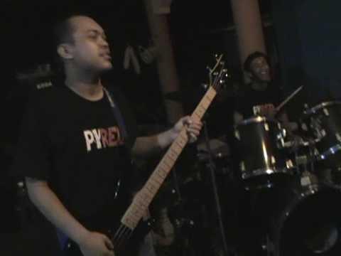 Adong Belalai (Zero D'Fect Live at Muhibah)