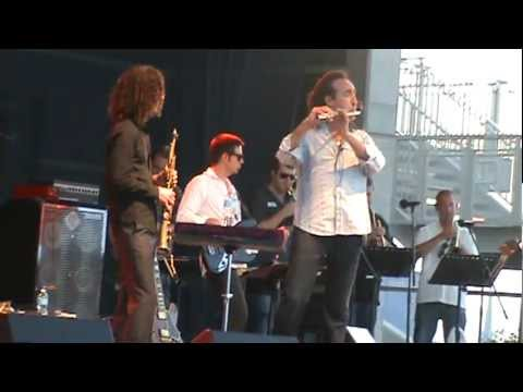 "Kenny G, And Alexander Zonjic An The Motor City Horns, Concert in Windsor Canada ""Little Sunflower"""