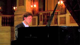 Giuseppe Albanese plays Debussy - Suite bergamasque: Passepied