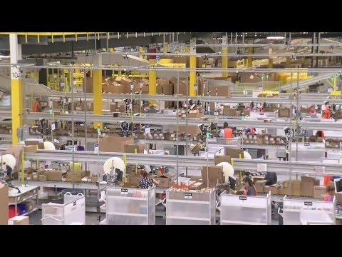 Kenosha's new Amazon center gets grand opening