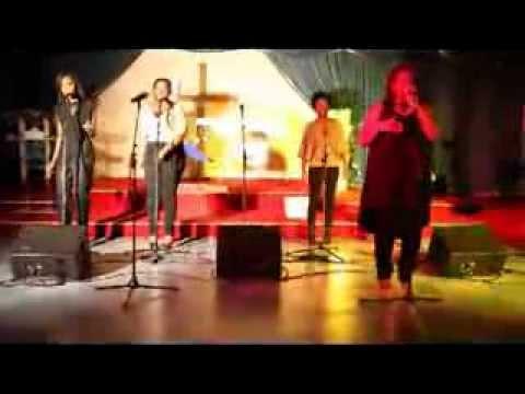 "Gospel Dance Crew - Sauveur "" Mighty To Save"" Version Reggae"