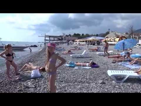 Пляж у ресторана Князь Багратион в Лазаревском. Июнь 2015 год. Lazarevskoe SOCHI RUSSIA
