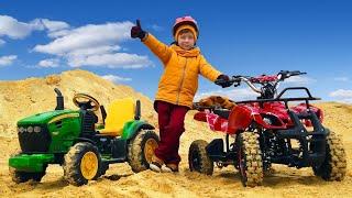 Лёва и Папа ездят на тракторе и квадроцикле по грязи и по песку