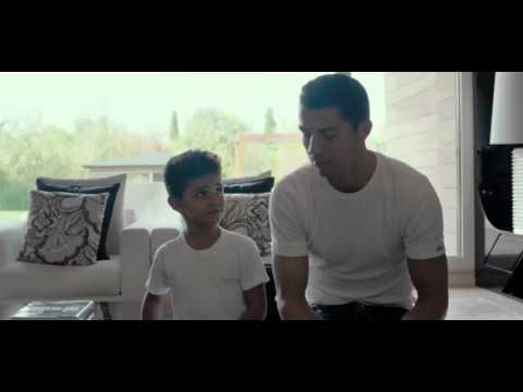 Видео: Фильм о Криштиано Роналдо Film Cristiano Ronaldo dos Santos Aveiro Cine Son
