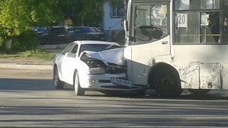 Аварія На вулиці Абая Тоскан бі