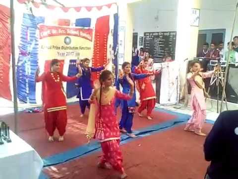 Kurta suha song pe dance school girls performance g.