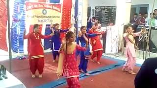 Kurta suha song pe dance school girls.rock performance g.