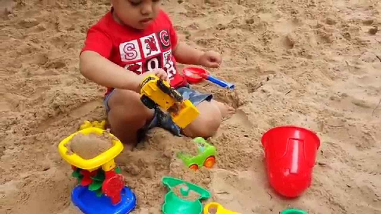 Play With The Sand