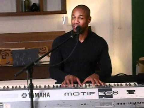 """Tank """"O"""" (Omarion Cover) Live Acoustic Performance At Singersroom Event In NYC 12/15/10"""