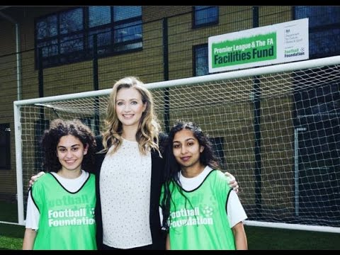 Hayley McQueen opens new 3G pitch in Finchley
