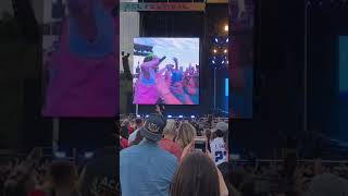 Billie Eilish ACL Someone stole her ring