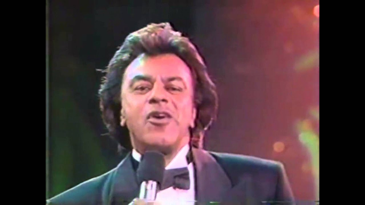 Johnny Mathis - It\'s beginning to look alot like christmas - YouTube