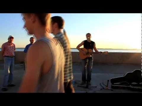 СкандаУ и Део - От Юни до Август [Official HD Video]из YouTube · Длительность: 3 мин54 с