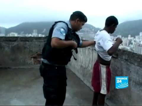 Police attempt to fight fear in Rio Favelas
