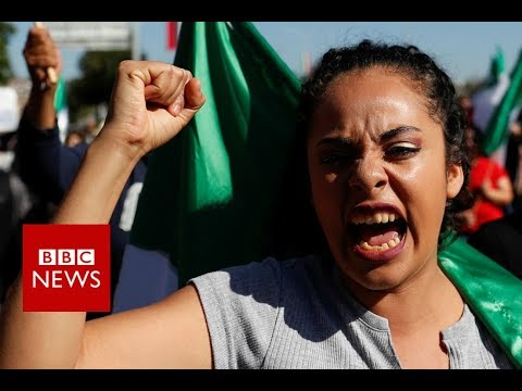 Migrant caravan: Angry protests in Mexico's Tijuana - BBC News