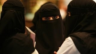 Sex Segregation Walls Mandated in Saudi Shops