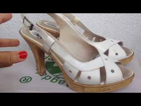 Елегантни бели сандали на висок ток