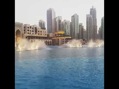 Dubai Mall – Dancing Fountain – Burj Khalifa – UAE – #Tayyabablog