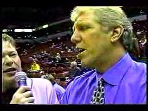 Jonny D interviews Bill Walton-Target Center 2000