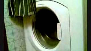 Адская стиральная машина Hotpoint-Ariston(Машине уже лет 8, до сих пор работает, а когда работает - страшно)), 2011-05-24T19:28:49.000Z)