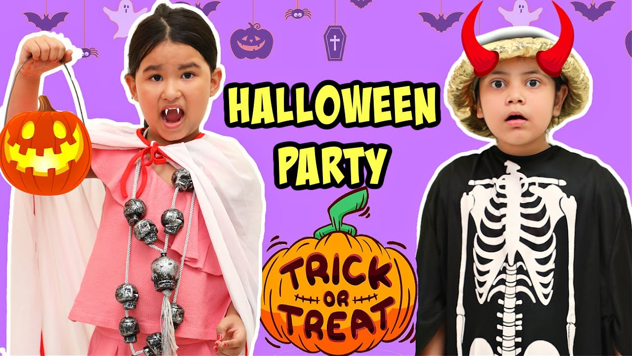Trick or Treat KIDS Pretend Play HALLOWEEN Party | ToyStars
