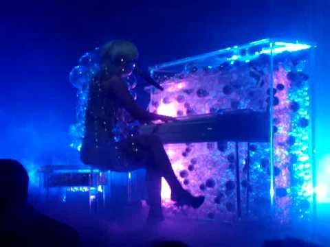 Lady GaGa Terminal 5- Future Love 05-02-09