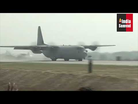 IAF aircraft 'land and take off' from Agra-Lucknow Expressway