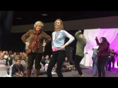 Mother/Daughter Dance at the Knoxville Pink Bride Wedding Show!