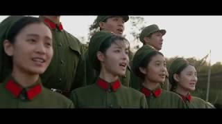 1976年、軍で歌や踊りを披露し兵士たちを慰労し鼓舞する歌劇団・文工団...