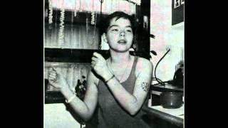 Björk Guðmundsdóttir, - Tappi Tíkarrass - Tjet - Miranda - (1983) - [HD]