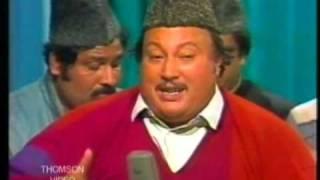 Ustad Nusrat Fateh Ali Khan - Is Kadar Kaun Mohabbat Ka Sila Dey Ta Heh