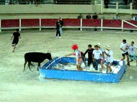 Toro piscina youtube for Piscinas toro
