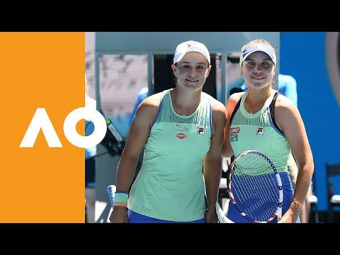 Ash Barty and Sofia Kenin enter Rod Laver Arena (SF) Australian Open 2020