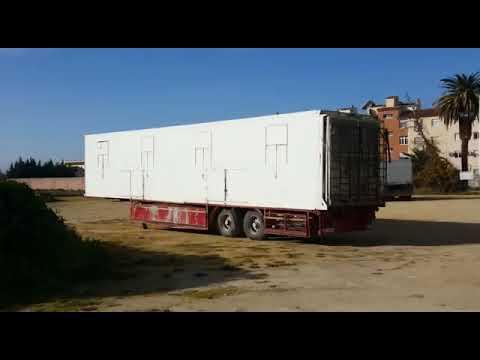 Animales encerrados en remolque Circo Roma en Cabra Córdoba