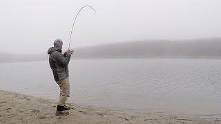 СХВАТКА С ЩУКОЙ ЗИМОЙ ЗАПРЕЩЕНО В УКРАИНЕ Рыбалка на спиннинг с берега