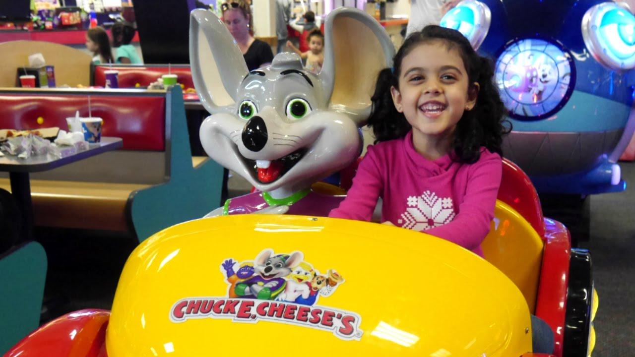 ألعاب تشكي تشيز Chuck E Cheese Indoor Play Area Bumper Cars Youtube