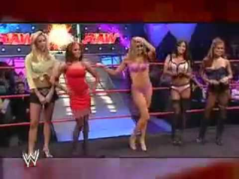 RAW: Lingerie Fashion Show - November 29, 2004