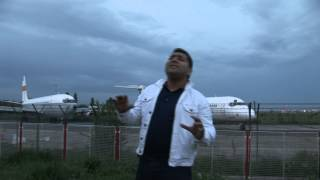 LIVIU PUSTIU - IAR SUNT LA AEROPORT ( OFICIAL VIDEO )