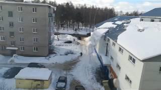 Женщина чудом спаслась от лавины снега