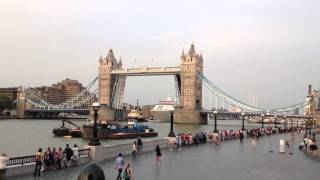 Silver Cloud cruise ship going under Tower Bridge