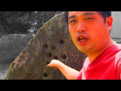 [解放軍]Drilled rock by Yujiro Ishihara 石原裕次郎が穴を開けた岩石 『黒部の太陽』撮影ロケ記念の石